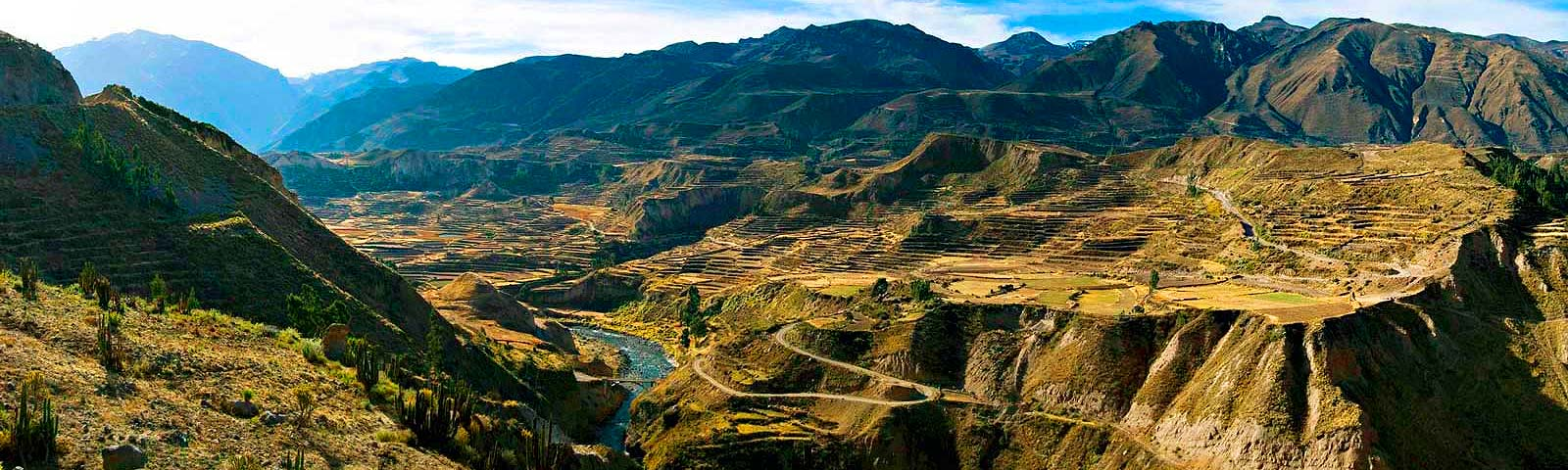 AREQUIPA - COLCA CANYON IN 01 DAY