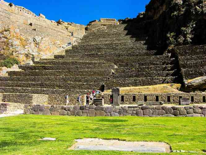 SACRED VALLEY TOUR AND TRAIN TO AGUAS CALIENTES TOWN